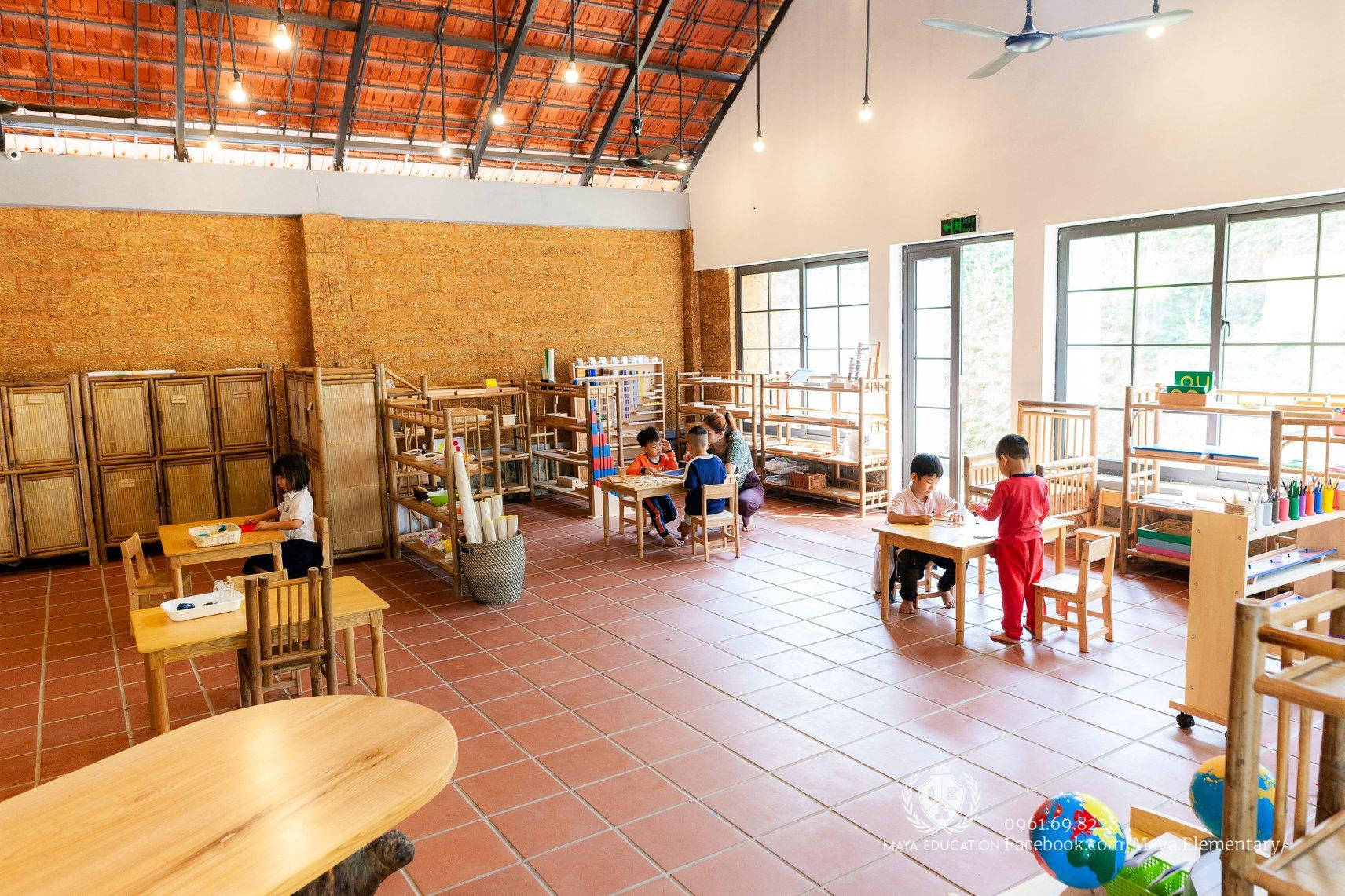 Interiorul școlii din Vietnam