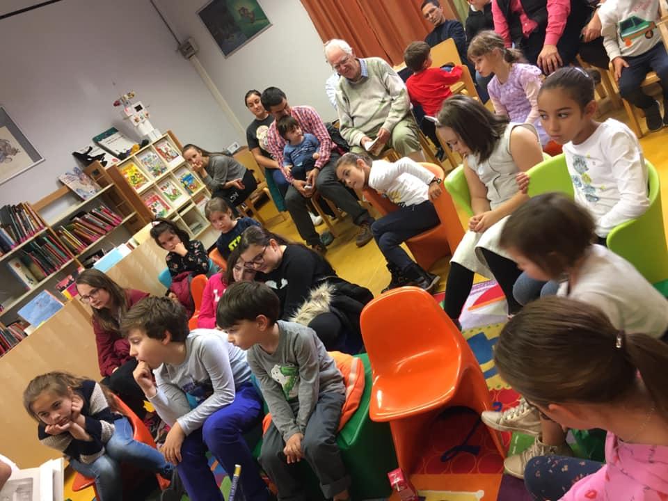 copii pe scaunele la scoala din Bruxelles