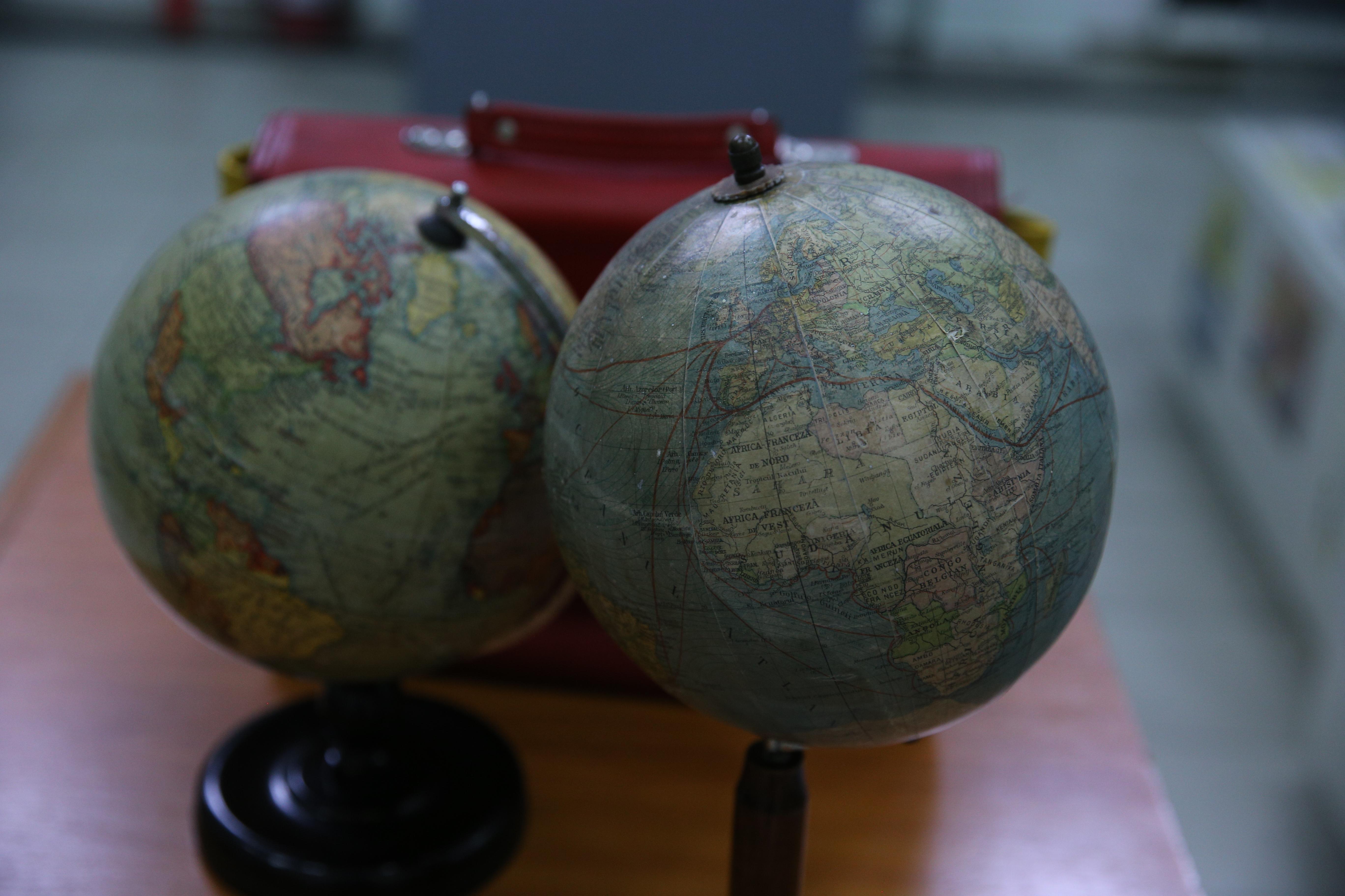 Globuri pământești
