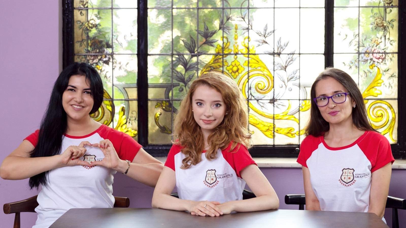 Corina Popa și colegele ei de la Școala de gramatică