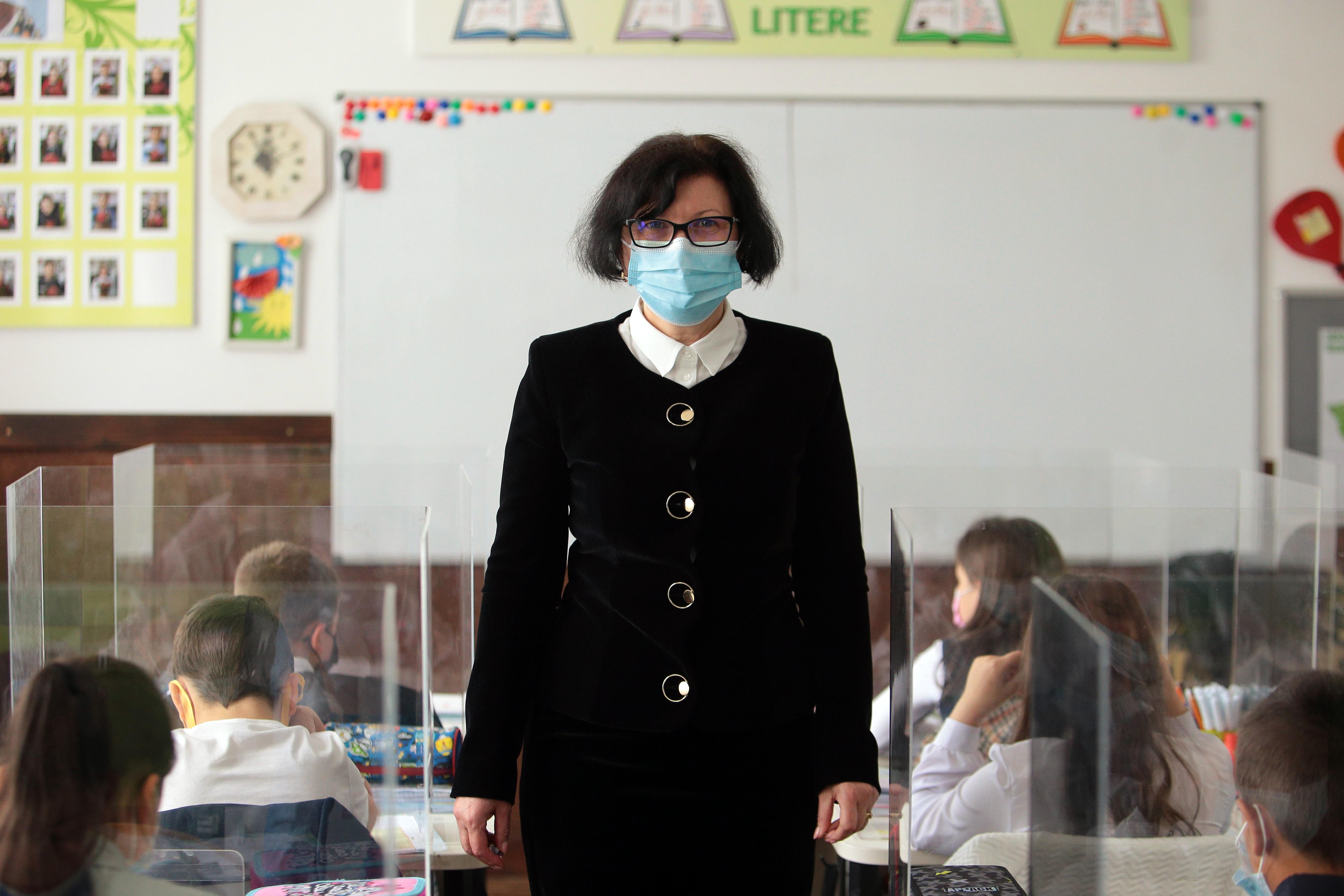 Nicoleta Rotar, invățătoare în Cajvana